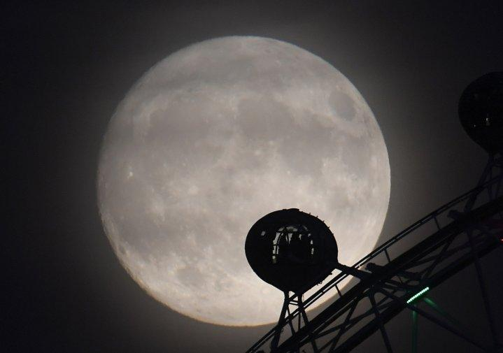 Supermoon night: Singapore to experience the biggest moon in 70 years on Nov 14