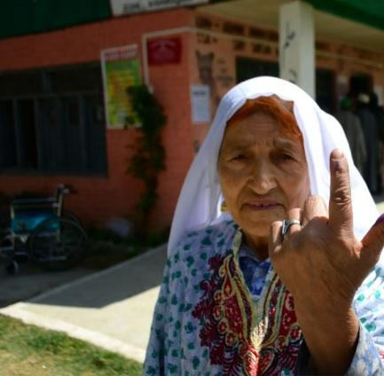 Elderly Kashmiri woman casts vote