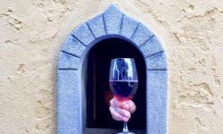 Wine Windows in Italy