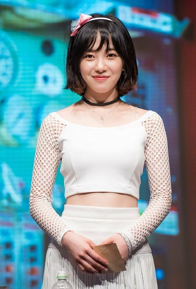 Is AOA's Mina involved in Seungri's prostitution scandal?