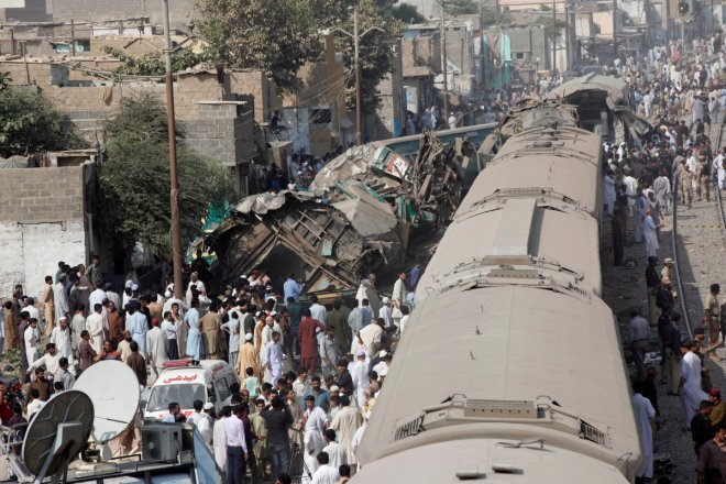 India: At least 90 dead, 150 injured in train accident in Uttar Pradesh