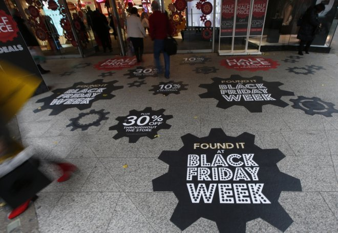Black Friday weekend 2016: Shoppers continue to visit stores to grab the best deals