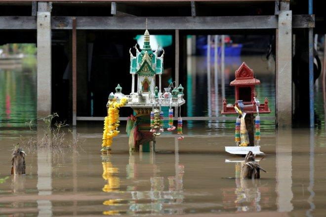 Deadly flooding in Thailand kills 14, water spreads to 12 provinces