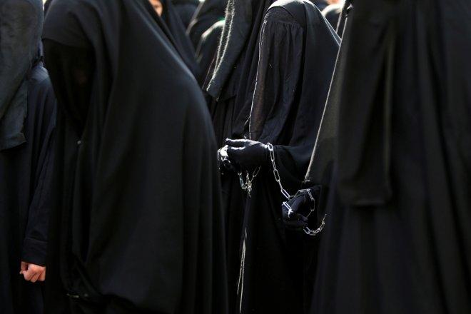 Germany's Angela Merkel endorses burqa ban