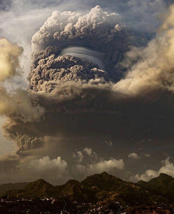 https://data.ibtimes.sg/en/full/48106/st-vincent-volcano-eruption.jpg?w=736