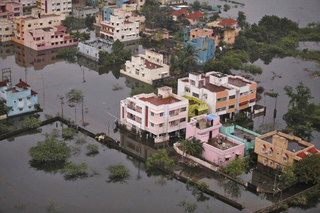 Cyclone Vardah causes destruction in Tamil Nadu; expected to hit Karnataka