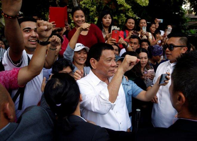 Philippines President Duterte addresses thousands of Filipinos in Singapore