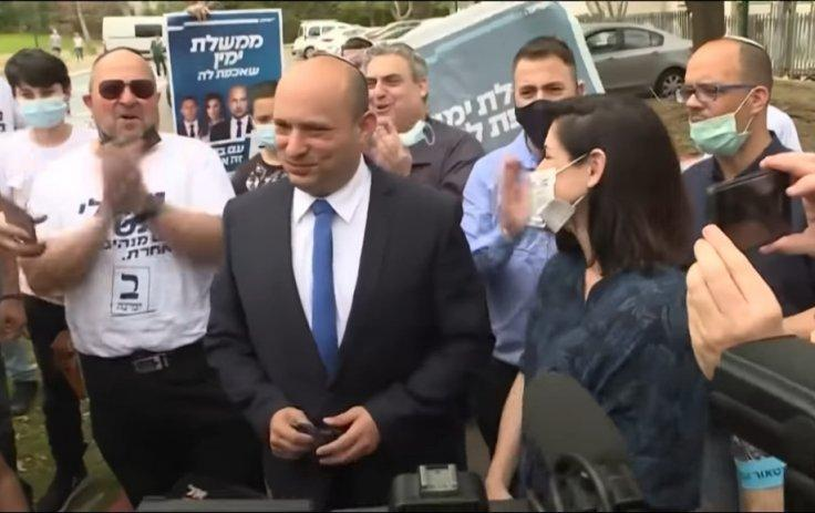 Naftali Bennett with his wife  Gilat