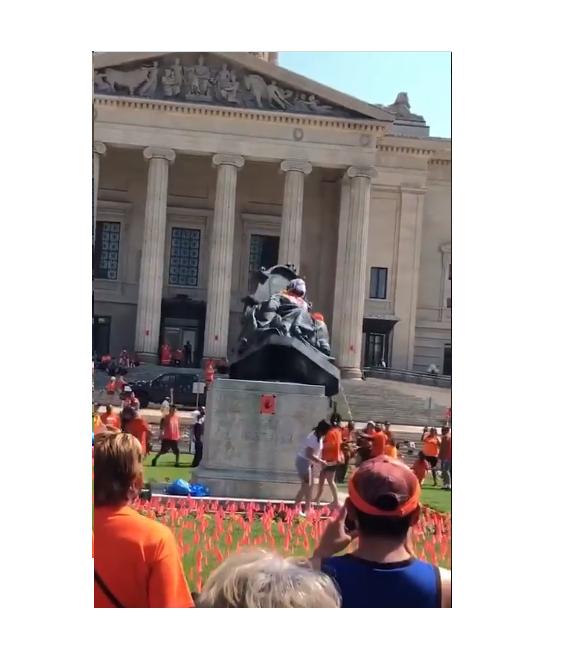 Queen Elizabeth & Victoria Statue Toppled Canada