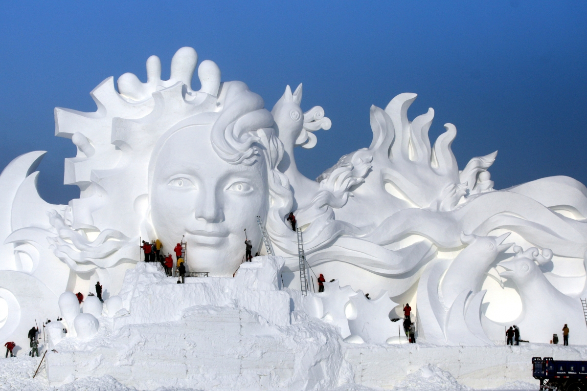 In Pictures: Enormous snow sculptures at Harbin International Ice ...