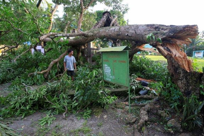 Christmas typhoon kills 4, destroys homes in Philippines (PHOTOS)