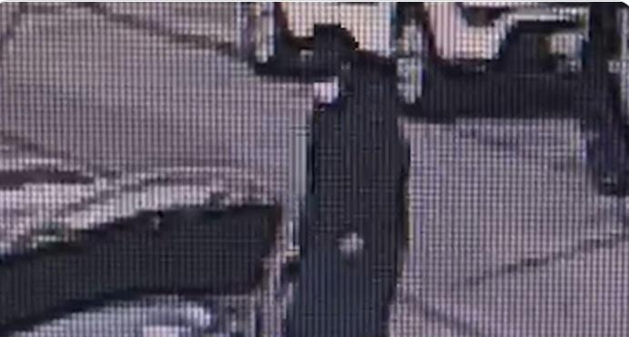 Gunman dressed in Hasidic clothing
