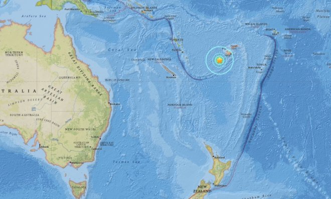 Shallow quake of magnitude 7.2 off Fiji triggers Pacific tsunami warning