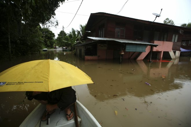 Malaysia floods: Thousands still stranded in relief centres, hygiene concerns scares evacuees