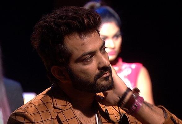 Bigg Boss 10 SHOCKER: Manu Punjabi quits the show for Rs 10 lakhs