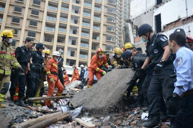 3 residential buildings collapse in China, several people trapped