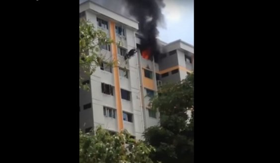 Singapore: Fire breaks out at Serangoon Ave 4