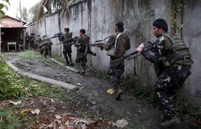 Philippine troops rescue Filipino ship captain abducted by militants