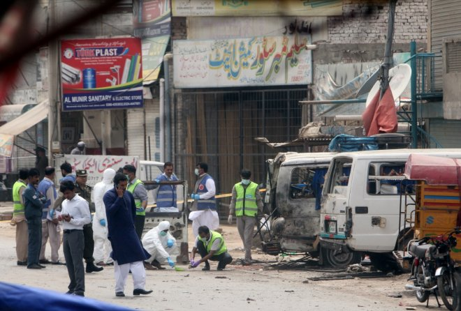 Pakistan: 6 dead, 20 wounded in suicide attack targeting army vehicle in Lahore