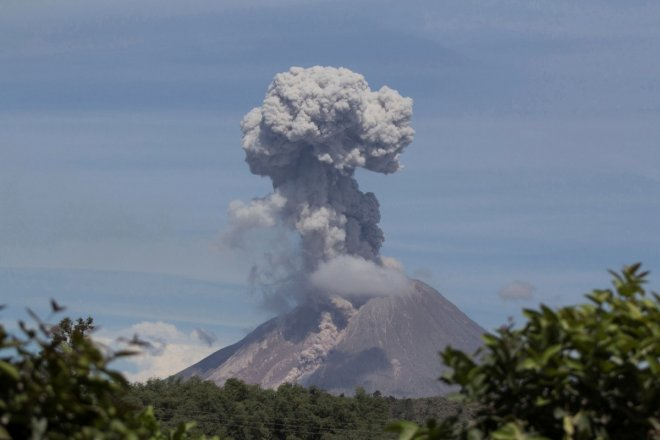 Mount Sinabung volcano in fresh eruptions in Indonesia