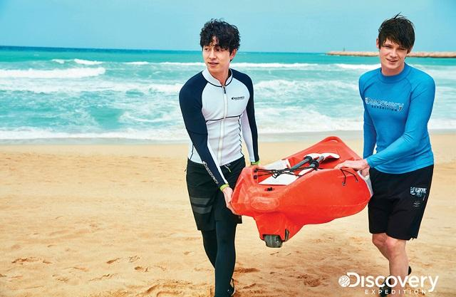 Gong Yoo's photoshoot for Discovery Expedition goes viral