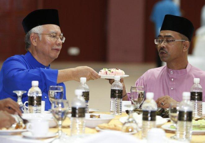 Malaysian PKR leader Rafizi Ramli arrested over leaked IMDB probe documents