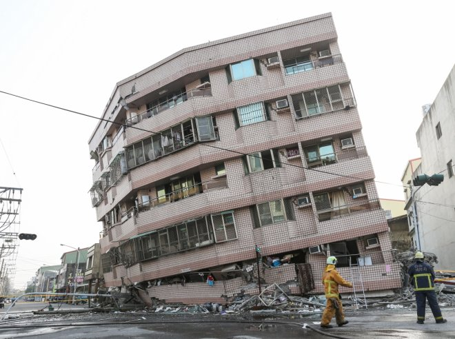 8 dead, 20 injured after 5.5 magnitude earthquake hits China's northwest
