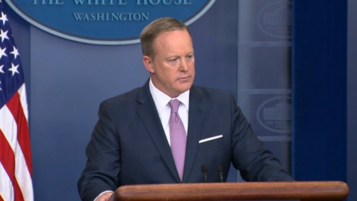 Sean Spicer ignores questions on possible recording of White House conversations