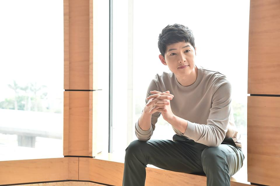 While Song Hye Kyo Dating Rumors Spread , Song Joong Ki Left in Lurch as Bogota Filming Delayed