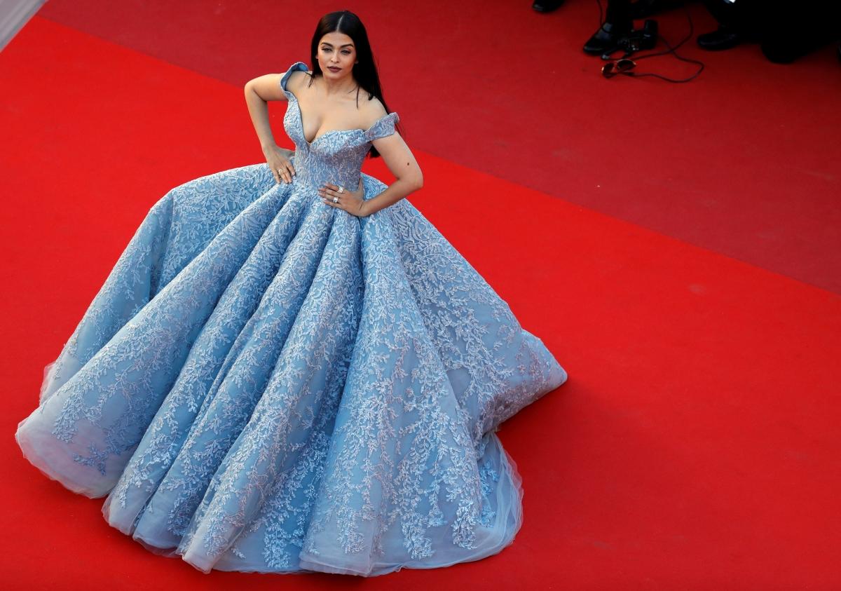 priyanka chopra miss world dress