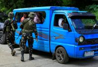 Thousands flee amidst military claim of stability in Philippines