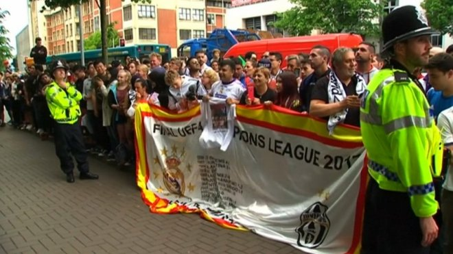 Fans gather in Cardiff for Champions League final