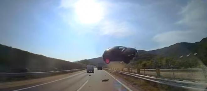 WATCH: Dramatic Japan highway crash kills 62-year-old driver, injures 45