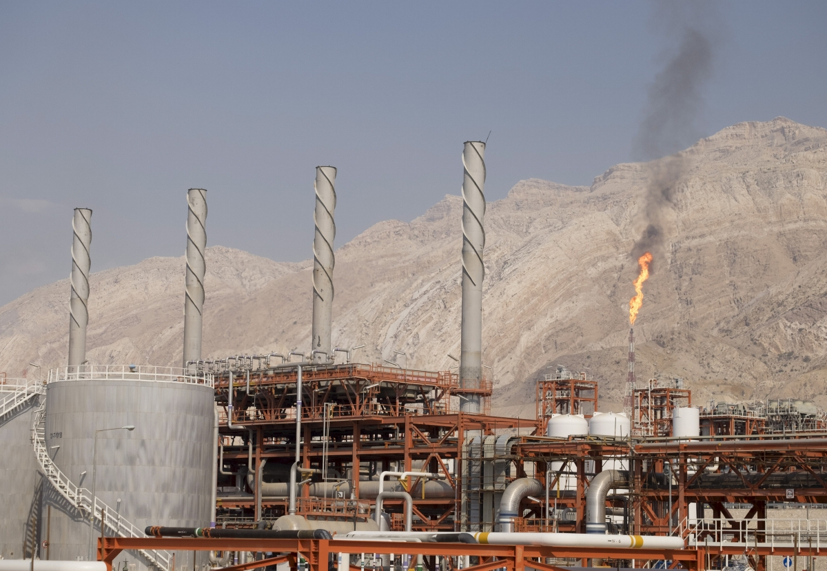 Iraq at risk of power shortages after Iran slashes gas supply
