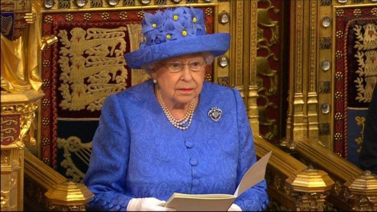 Queen Elizabeth says Brexit deal is governments top priority in speech to parliament